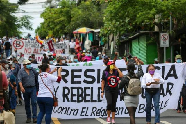 March in San Salvador convenved by Resistance and Popular Rebellion Bloc Sept 1